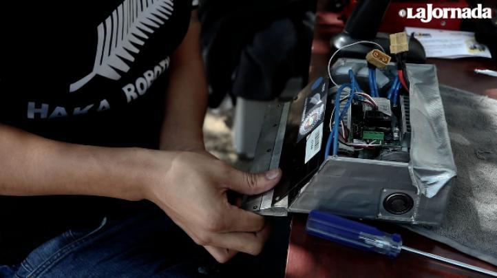 Un grupo de jóvenes en Veracruz no paran de ganar peleas… de robots
