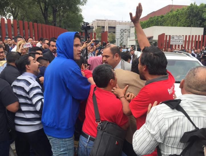 Desalojan Cámara de Diputados por CNTE
