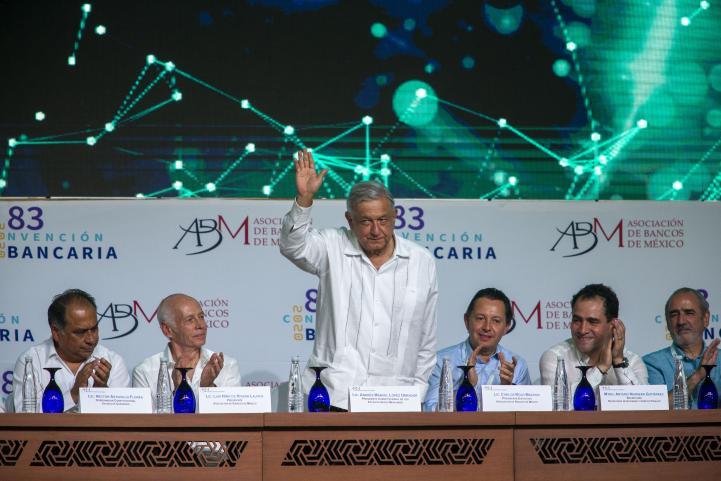 """""""Le ofrecemos trabajar juntos, para generar entorno de confianza"""": presidente de la Asociación de Bancos de México dice a AMLO"""