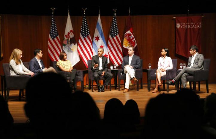 Reaparece Barack Obama en un acto público