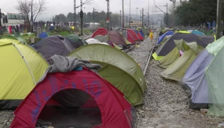 Fuertes lluvias en Idomeni afectan a miles de migrantes