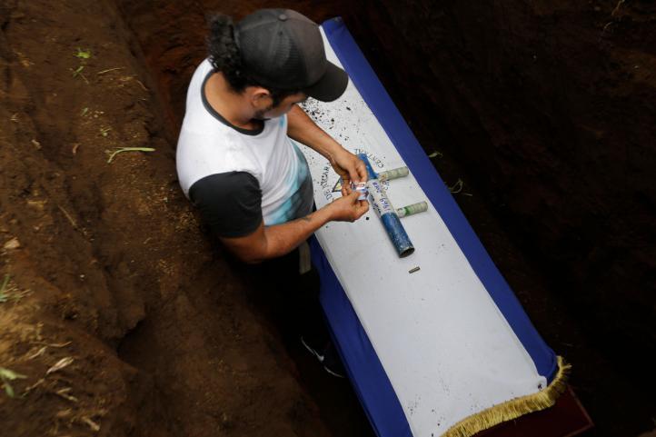 Funerales para nicaragüenses asesinados en enfrentamientos