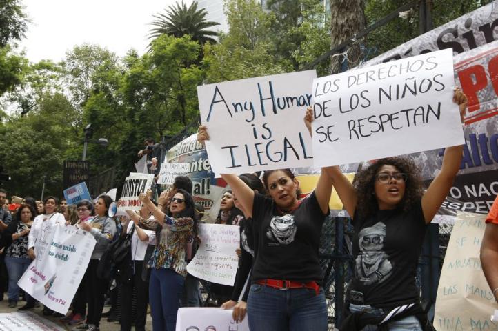 Protestan contra tolerancia cero de Donald Trump