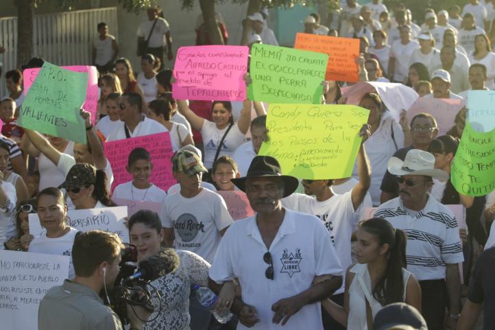 Primer aniversario de las autodefensas de Michoacán
