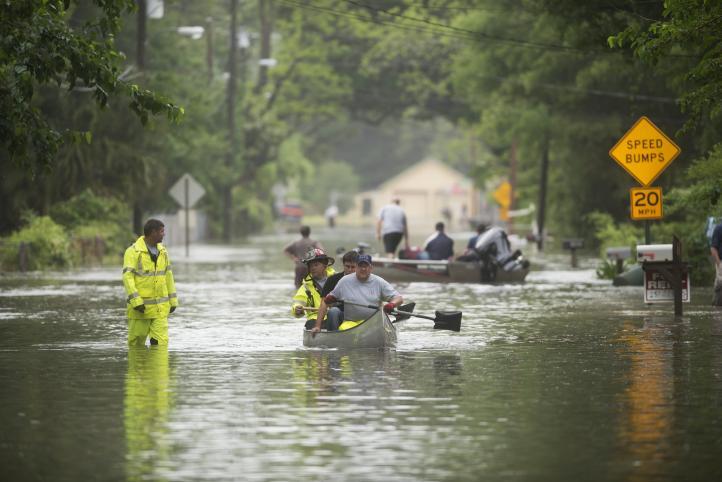 Tormentas ocasionan inundaciones en Florida y Alabama