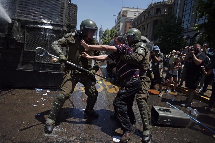 Chile: Paro nacional por bajas pensiones provoca caos