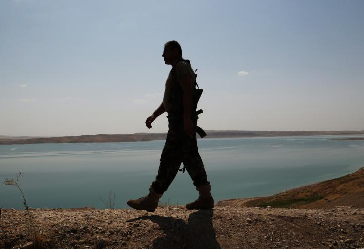 Irak dice controlar estratégica represa; extremistas lo niegan