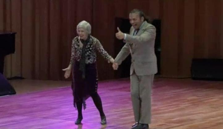 Una mujer de 79 años compite en mundial de Tango