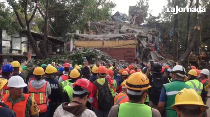 Tras nuevo sismo, suspenden búsqueda oficial en multifamiliar Tlalpan; los civiles evalúan si siguen