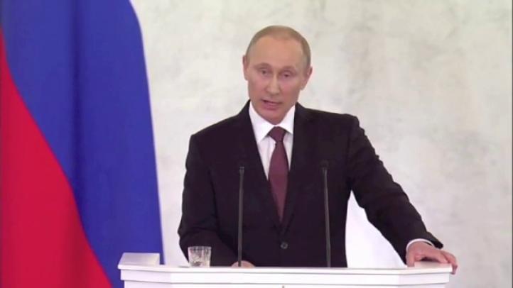 Putin firma tratado para incorporar Crimea a Rusia