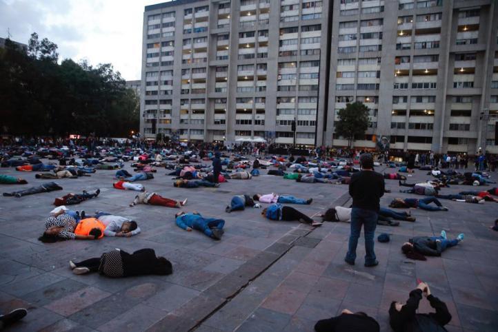Intervención coreográfica masiva en la Plaza de las Tres Cultura