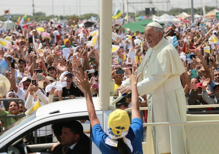 Defiende el Papa a la familia ante más de 600 mil ecuatorianos