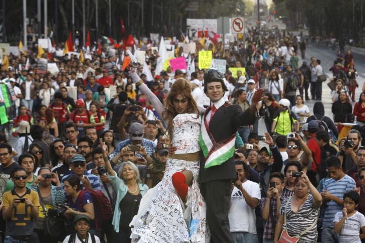 Continúan las protestas por los normalistas desaparecidos
