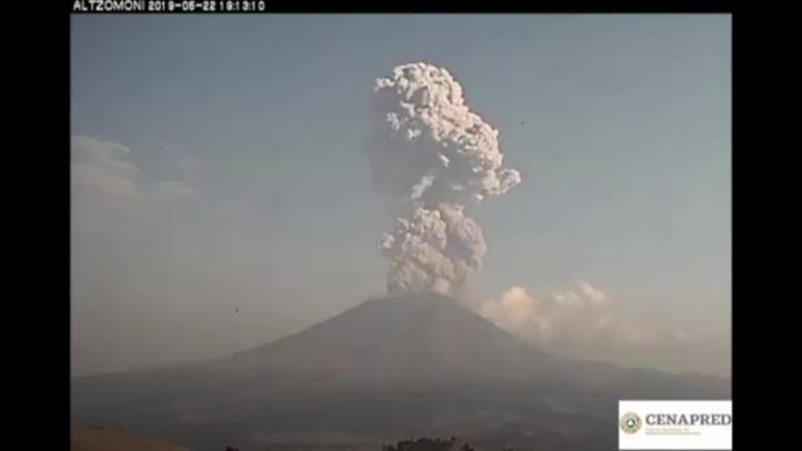 Otra explosión del Popo deja emisión continua de gases y ceniza