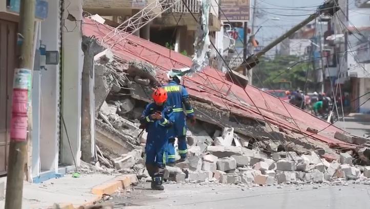 Este es el momento en el que un edificio se derrumba en Juchitán