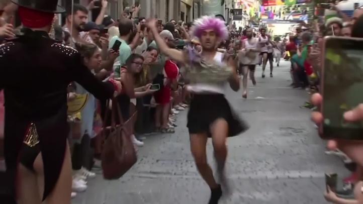 La Carrera de Tacones deleita al público durante el Orgullo Gay de Madrid