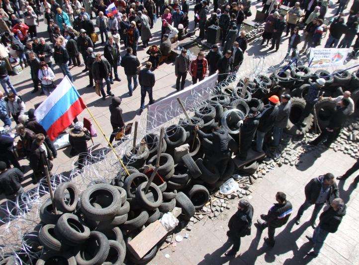 Prorrusos declaran independencia en ciudad ucrania de Donetsk