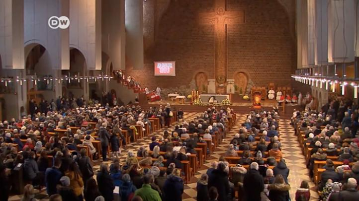 Víctimas de abusos acuden a la cumbre del Vaticano