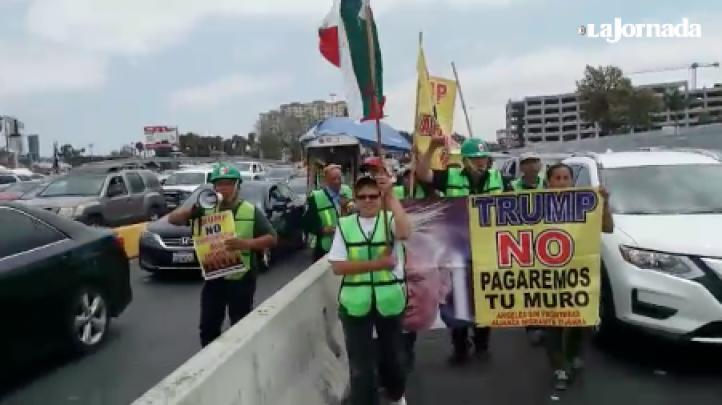 """""""¡Donald Trump, no somos animales, somos trabajadores!"""": Protesta en Tijuana"""
