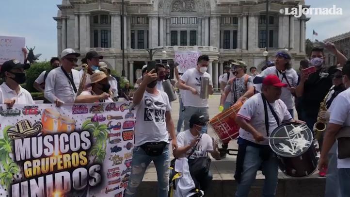 Músicos sin trabajo por la pandemia, marchan para pedir apoyos