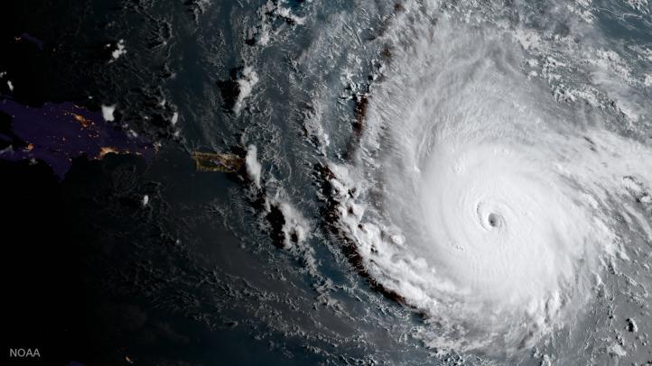 El poderoso huracán Irma avanza hacia las islas del Caribe