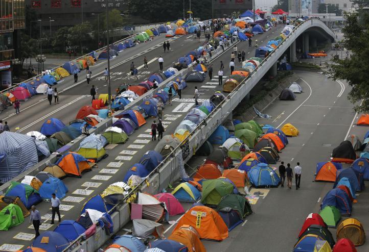 Hong Kong amenazan con arrestar a manifestantes