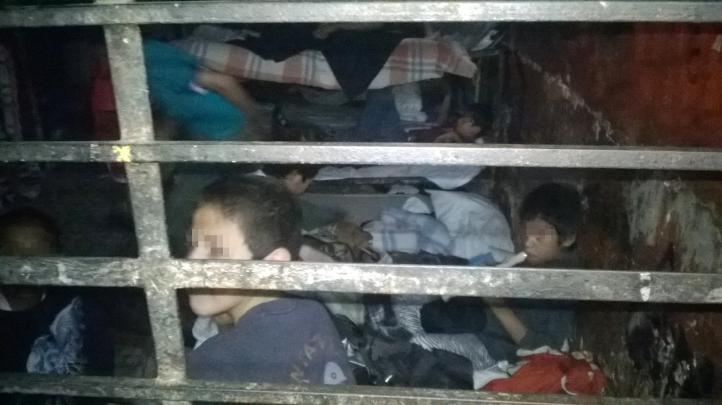 Rescatan a 458 niños y 138 adultos retenidos en casa hogar de Michoacán