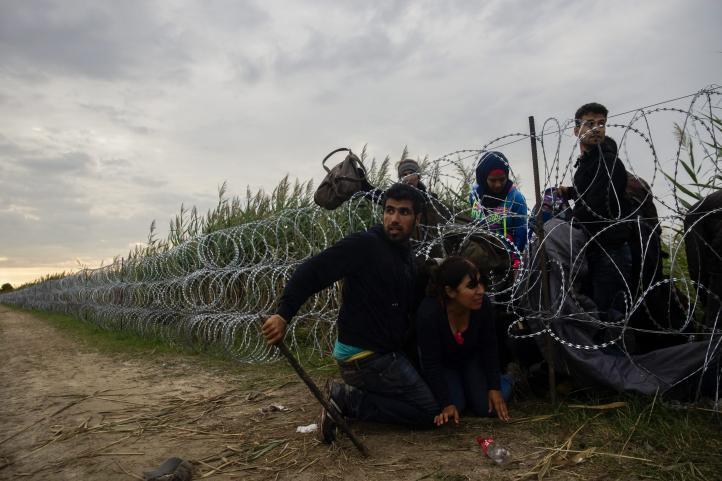 Inútil valla instalada en la frontera de Hungria