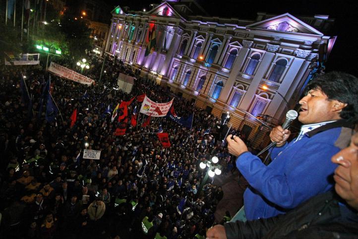 Evo Morales proclama su triunfo y logra tercer mandato