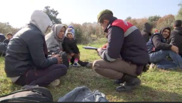 Migrantes detenidos en Turquía salen rumbo a Grecia