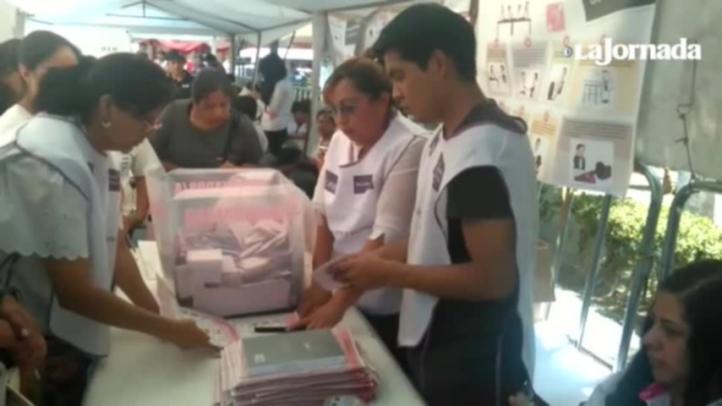 Se acaban boletas electorales en casilla especial del Estado de México