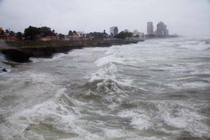 Declaran alerta máxima en República Dominicana por Erika
