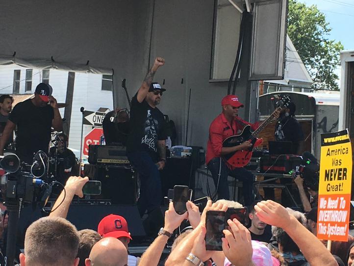 La fiesta se acabó, canta Prophets of Rage en Cleveland