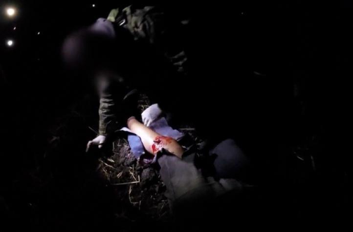Militares dan primeros auxilios a agresor