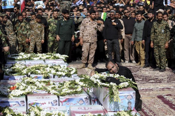 Irán realiza funerales de las víctimas de atentado