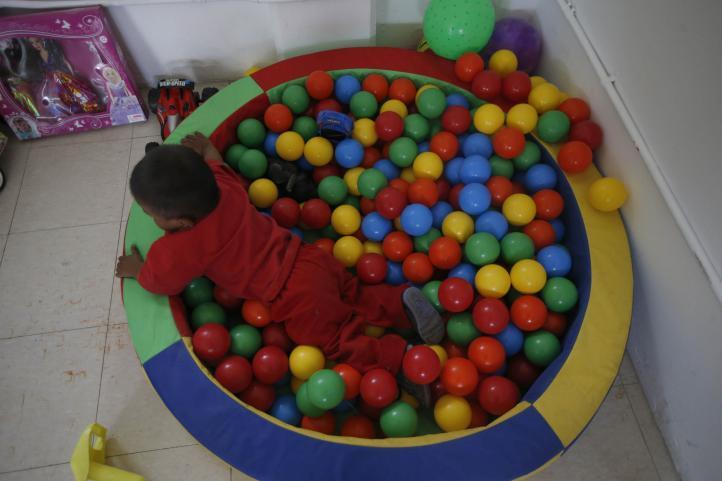 Un espacio donde los hijos pueden estar seguros, mientras los padres trabajan en la calle