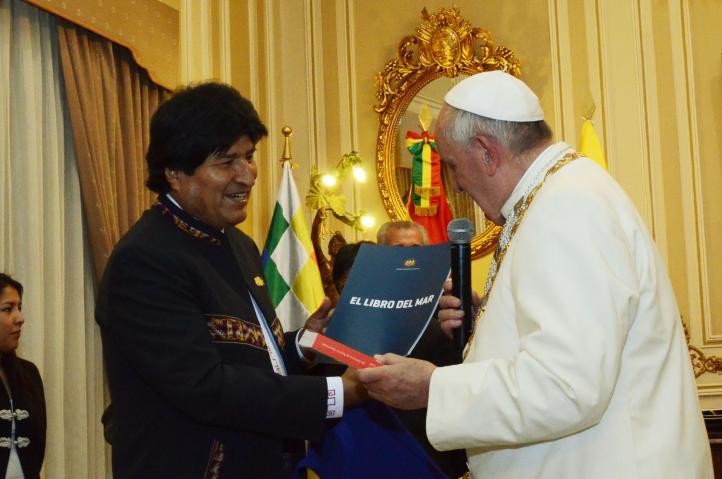 El Papa abordó la disputa entre Chile y Bolivia.