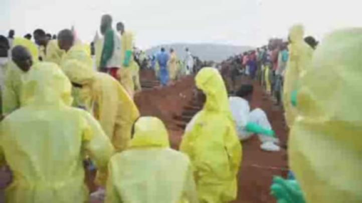 Los muertos por un deslave en Sierra Leona superan los 400