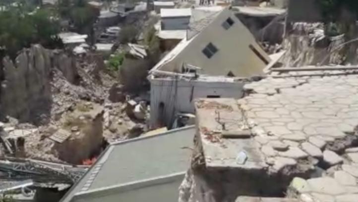 Falla geológica derrumba 22 casas en Tijuana