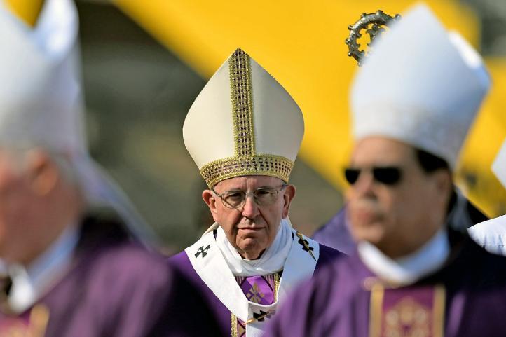 Francisco pide no resignarse a la violencia