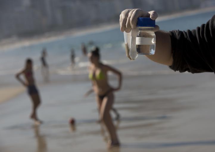 Continúan contaminadas las aguas de Río de Janeiro
