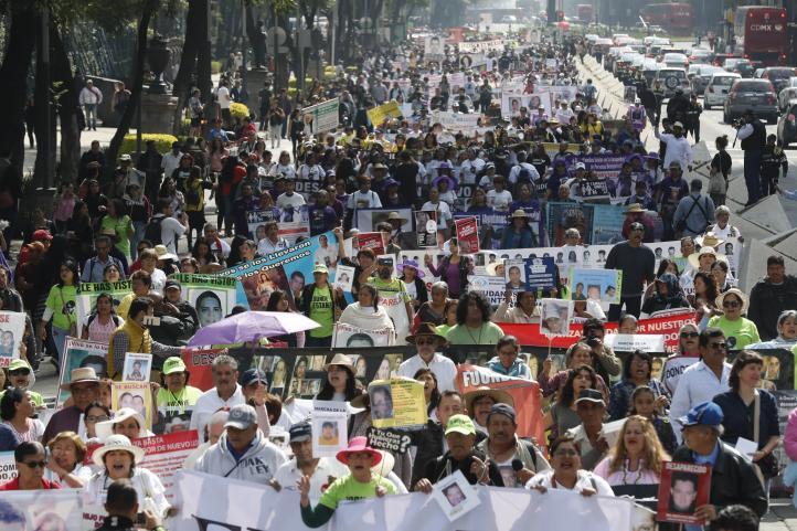 Estudiantes de Guadalajara dan emotivo mensaje a las madres de desaparecidos