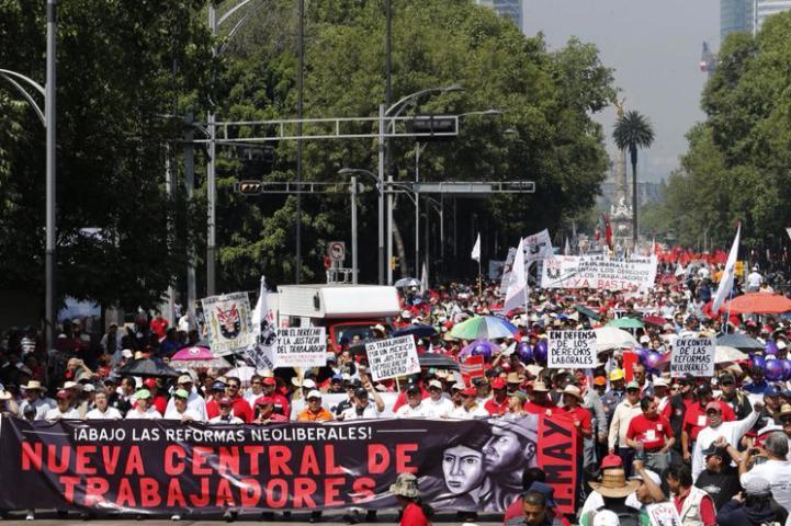 Marchan sindicatos independientes para conmemorar el Día del Trabajo