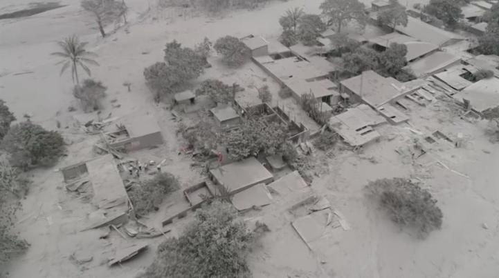 Pánico ante nuevas evacuaciones junto a volcán de Guatemala