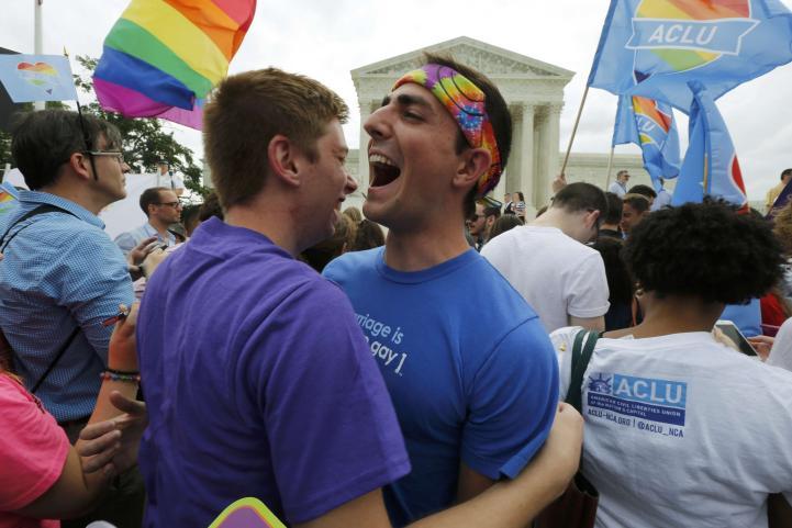 Corte Suprema extiende matrimonios gay a todo Estados Unidos
