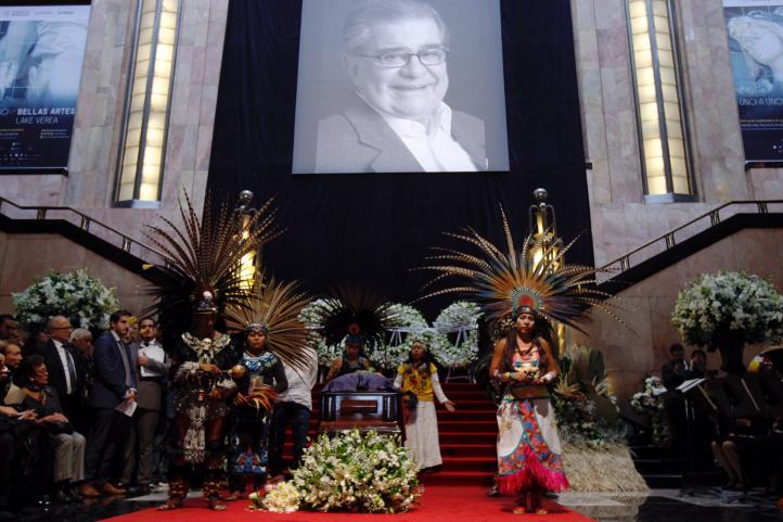 Despiden en Bellas Artes al 'tlamatini' Miguel León-Portilla