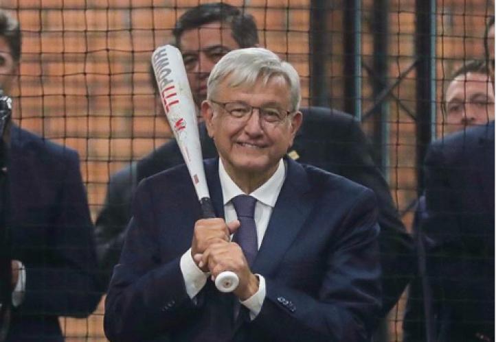 El Presidente al bat