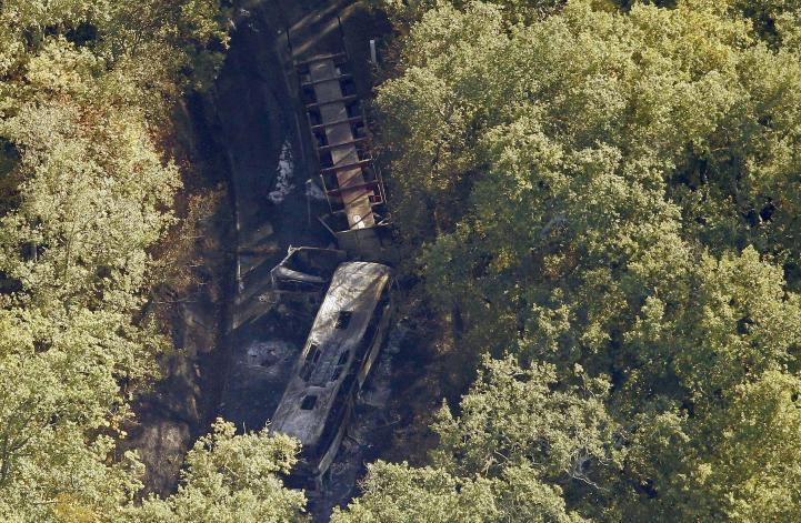 Mueren 43 personas en choque en carretera de Francia