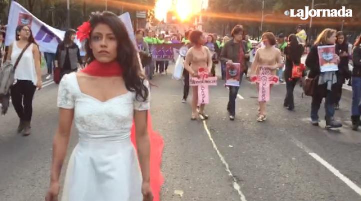 Mexicanas y centroamericanas marchan contra la violencia de género