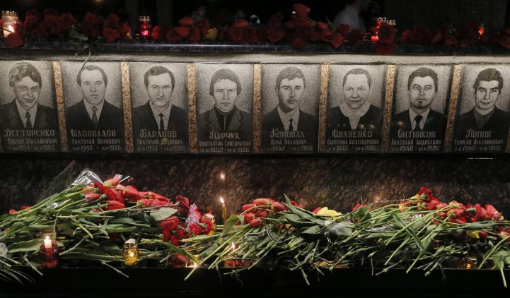 Rinden homenaje a víctimas de la explosión en Chernobyl